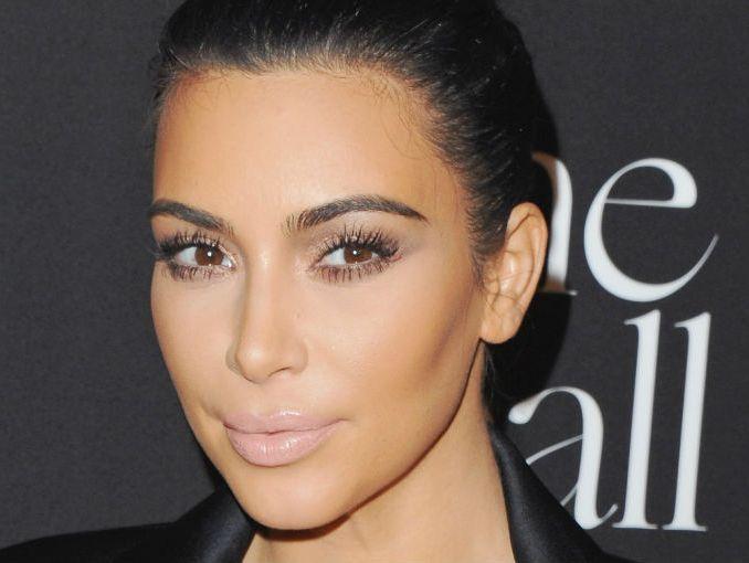 Profesional aconseja no maquillar tus cejas como las Kardashian ...