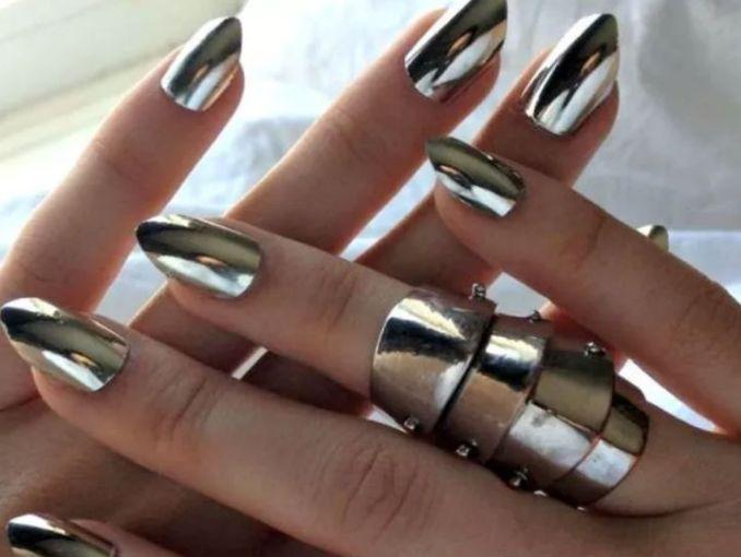 Qué color de uñas te queda mejor, según tu tipo de piel | ActitudFem