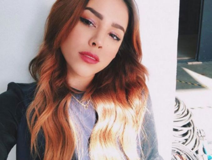 Danna Paola cautiva con foto al natural