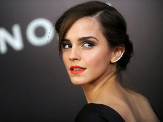 Captan a Emma Watson con actor de