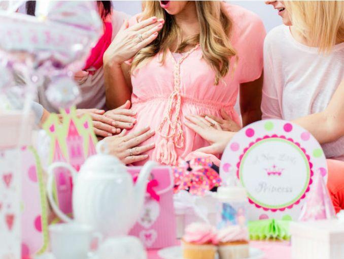 e80323dd6 10 cosas que puedes regalar en un baby shower