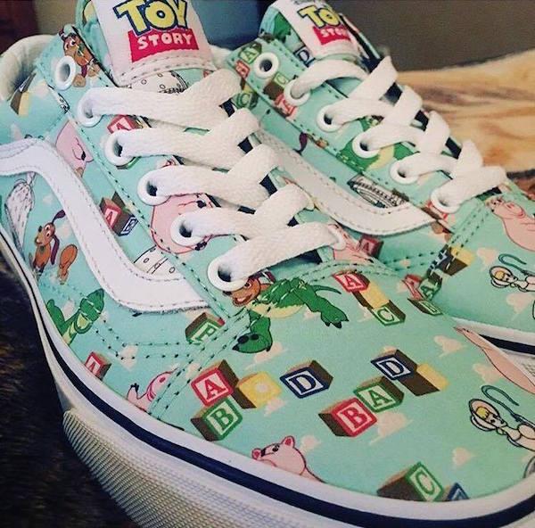 Vans Toy Story morado
